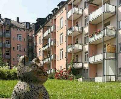 Umfangreich modernisierte Wohnung mit Balkon zum schönen Innenhof