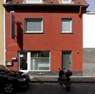Wohn- und Geschäftshaus im Zentrum von Rodenkirchen