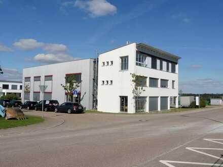 Produktionshalle mit 10 t Kran, repräsentativem Büro und Wohnung