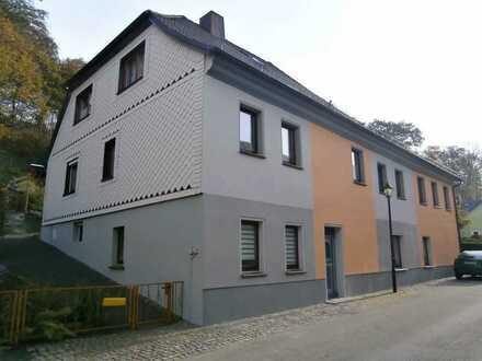 Vollständig renovierte 2-Raum-Wohnung mit Einbauküche in Schleiz