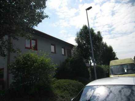 Sehr schöne renov. Bürohaus, 8 Zimmer, Küche, 2 WC`s, Mainz-Hechtsheim