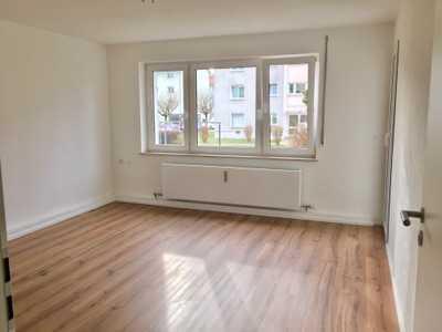 Frisch renovierte 3 Zimmer WHG in zentraler Lage mit Terrasse