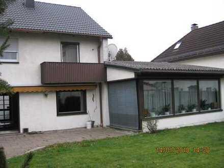 Großzügig umgebaute Doppelhaushälfe mit Anbau in Arzberg im Fichtelgebirge