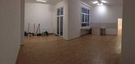 Zu vermieten ist eine schöne 2 Zimmer Erdgeschosswohnung in Mannheim