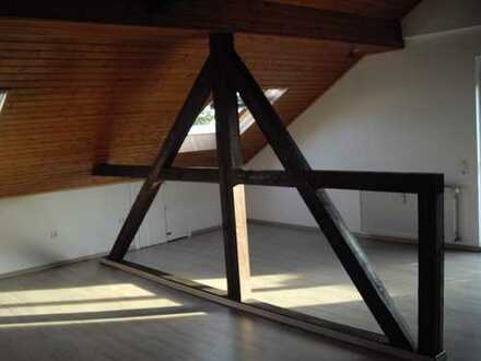 76 qm geräumige, offene und helle Dachgeschoss Wohnung