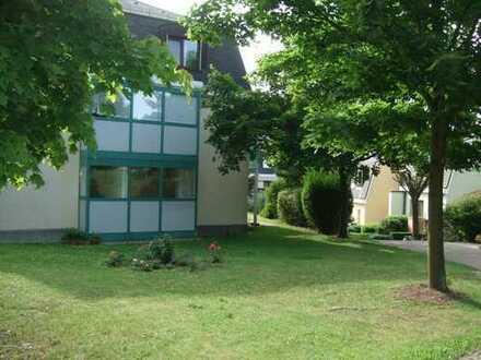 Ruhig und grün mit Terrasse