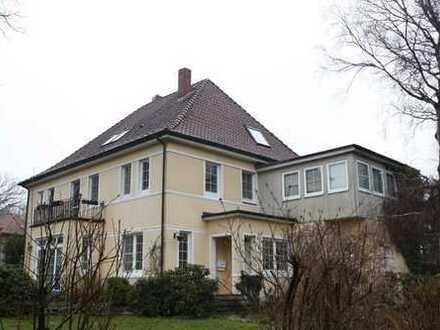 repräsentatives und exklusives Wohnen - Villa mit Traumgrundstück