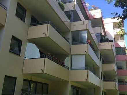 Gepflegte 1-Zimmer-Wohnung mit Balkon und Einbauküche in Fürstenfeldbruck