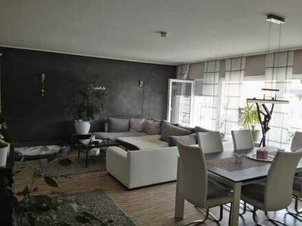 Schöne, geräumige drei Zimmer Wohnung in Langenselbold