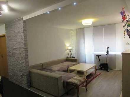 Sanierte und Sonnige Wohnung mit Aufzug, Balkon und TG-Stellplatz