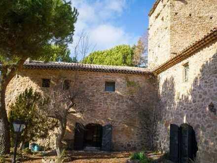 Provence bei Nizza: Anwesen aus dem Jahr 1614 mit Pool und Tennisplatz