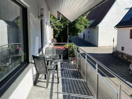 Schöne 5-Zimmer Wohnung in Bondorf.  850 €, 103 m2 mit Balkon 10 m2