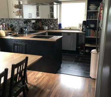 1.300 €, 130 m², 4 Zimmer