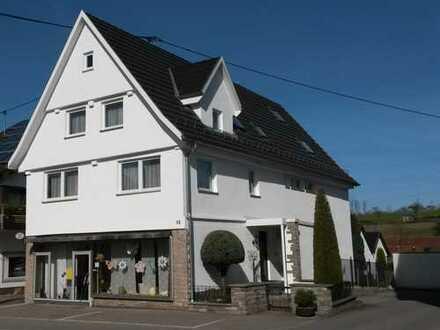 Schöne Büro-/Praxisfläche in werbewirksamer Zentrumslage von Reutlingen-Sondelfingen
