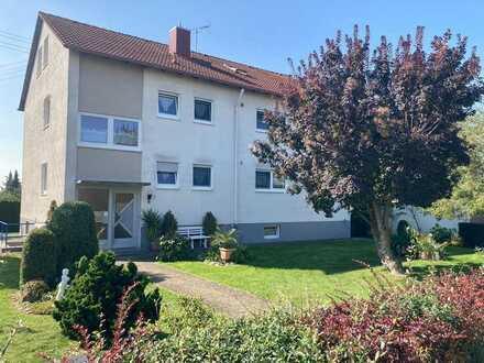 Provisionsfrei: Gepfl. 4 1/2-Zimmer-ETW mit gr. Garten und Balkon inkl. Dachgeschosswhg. und Garage