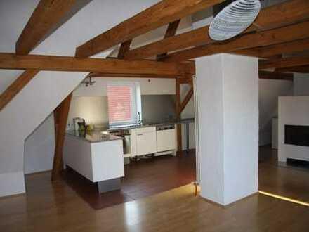 Gepflegte 4-Zimmer-Wohnung mit Balkon und Einbauküche in Weißenhorn
