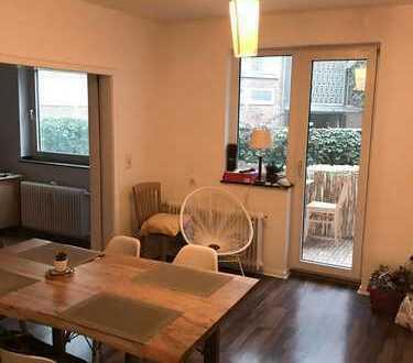 Stilvolle 5-Zimmer-Hochparterre-Wohnung mit Balkon und EBK in Altstadt & Neustadt-Süd, Köln