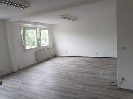 Büro und Lagerräume in Falkensee mit guten Anbindungen