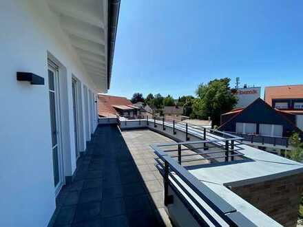 Helle & gepflegte Penthousewohnung mit Terrasse (Grundfläche 163m²) - Wohnen am Schloss!