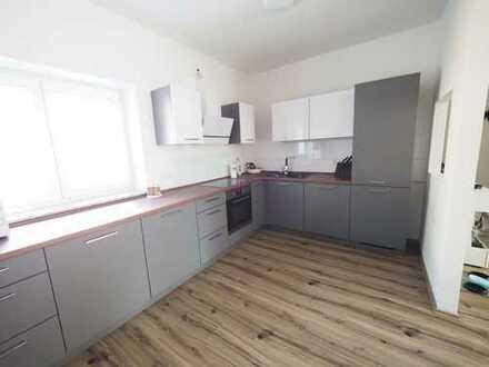 Exklusive, sanierte 2-Zimmer-EG-Wohnung mit EBK in Bönnigheim
