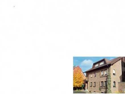 Gepflegte 5-Zimmer-Maisonette-Wohnung mit Balkon und 2 Terrassen in Zweifall