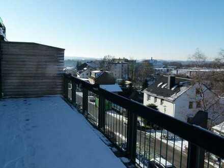 Penthouse mit Panoramablick, große Terrasse, 4 Zi. total renoviert,