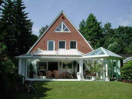 besonders schönes, freistehendes Einfamilienhaus mit Wintergarten in top Lage in Oberneuland