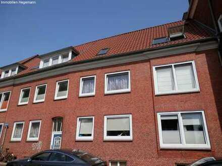 Sanierte 2 Zimmer Wohnung auf zwei Ebenen !
