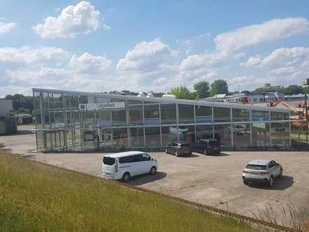 ehemaliges Autohaus mit Werkstatt