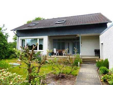 Ruhige Lage, kleines 2-Familenhaus, EG Wohnung mit Garten
