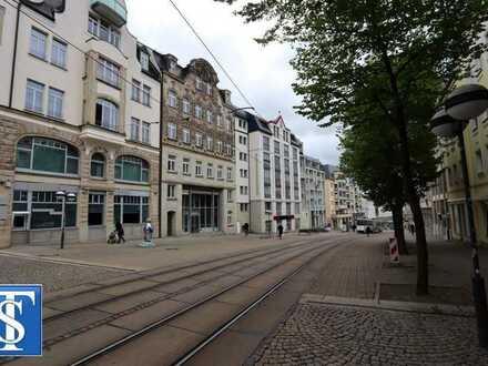 Schöne vermietete 1-Zimmer-ETW mit Dusche, Spitzboden und Fahrstuhl im DG in Plauen (Zentrum)