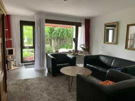 3,5-Zimmer-Hochparterre-Wohnung mit großer Terrasse in Esslingen Sulzgries in ruhiger Lage