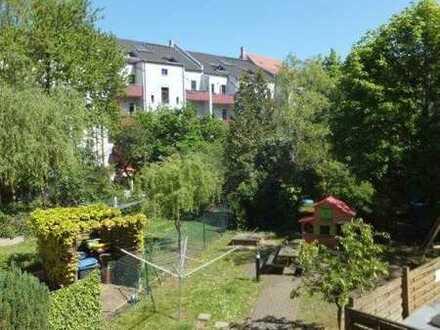 TOP : Elegante 2-Zimmer-Wohnung mit Balkon und Aufzug in ruhiger, grüner Lage im Herzen von Gohlis
