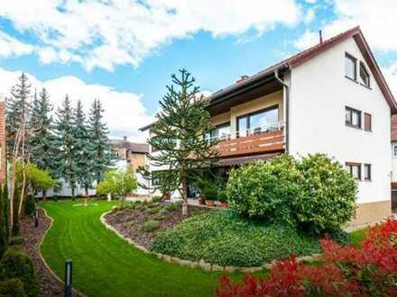 Juwel in Deidesheim ! 3-Fam. Haus in Top Lage mit 4 Garagen, Süd-Westgarten