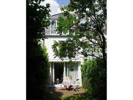 Schönes möbliertes Einfamilienhaus in Köln Lindenthal auf Zeit zu vermieten