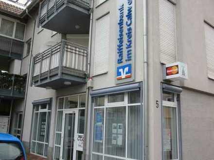 Ehemalige Bankfiliale in Rohrdorf zu vermieten. Bestens geeignet für Praxis, Laden und Büro!