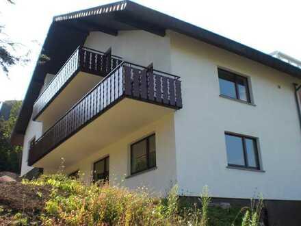 Preiswerte 5-Zimmer-Dachgeschosswohnung mit Balkon und EBK in Kappelrodeck