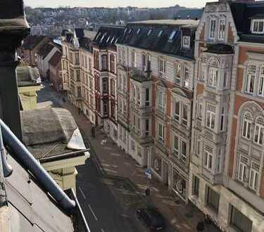 TFI: WG-geeignete 3 Zimmer Dachgeschoss Wohnung im Stadtzentrum!