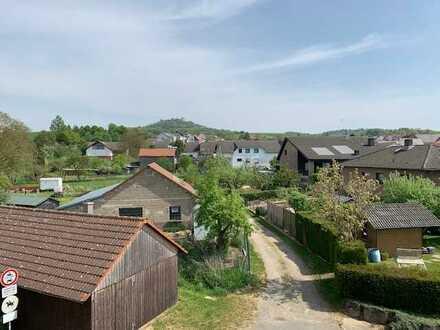 Sonnige 4-Zimmer-DG-Wohnung mit Loggia in Otzberg/Nieder-Klingen