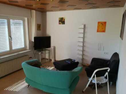 15 m² Zimmer in 60 m² Wohnung mit großem Wohnzimmer