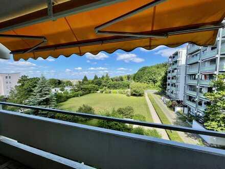Großzügige 2-Zimmer Wohnung mit Blick ins Grüne, Haardt