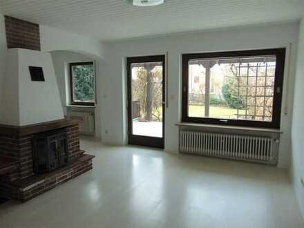 Teilrenoviert - Reiheneckhaus in Moosburg mit 2 großen Garagen - Sofort beziehbar!