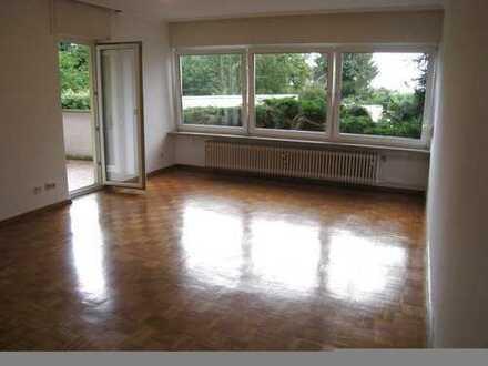 Wunderschöne, helle 3 Zi-Wohnung im Grünen und zentral , Provisionsfrei