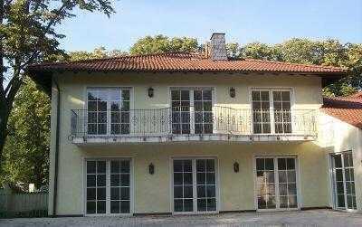 Hollenders Immobilien: Exklusives Einfamilienhaus im modernen Landhausstil