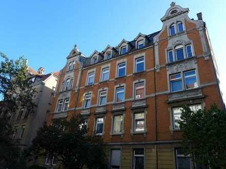 Zentrumsnah wohnen in großzügiger Jugendstil-Wohnung