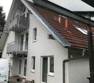 Nahe VW-Werk! D) Schöne DG-Apartement-Wohnung mit Außen-Stellplatz und Balkon, gut vermietet