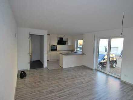 3 Zimmer Neubauwohnung mit Terrasse und Stellplatz