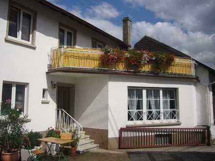 Freundliches 5-Zimmer-Haus mit EBK in Hainfeld