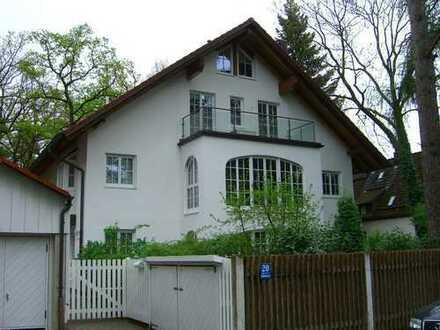 Neuwertige 3-Zimmer-EG-Wohnung mit Balkon und EBK in Obermenzing, München