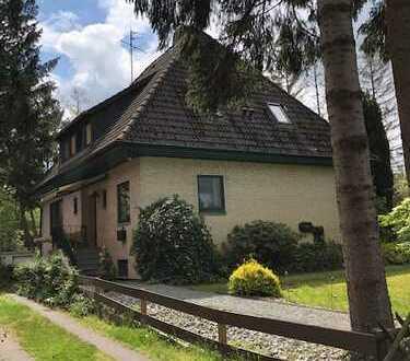 Einfamilienhaus mit Vollkeller und Doppelgarage